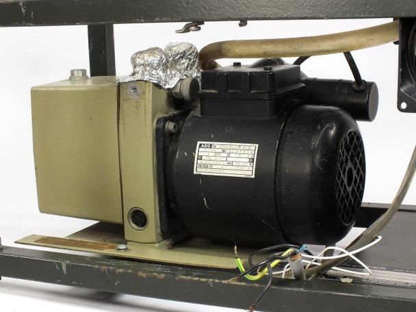 Pfeiffer Pfeiffer Vacuum Pump with enclosure  TSU-040