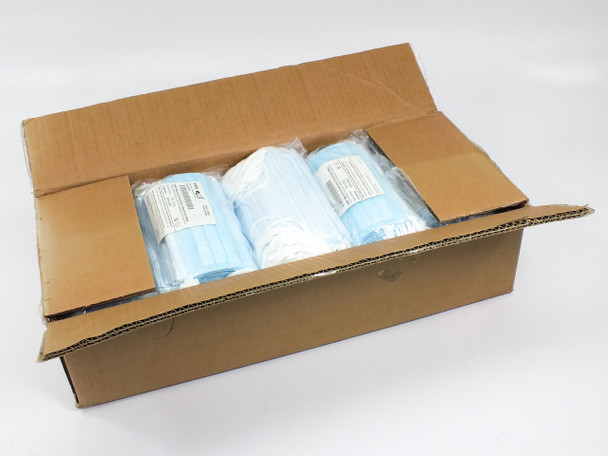 VWR 414004-667  Case of 500 Maximum Protection Cleanroom Face Masks w/ Ear Loops