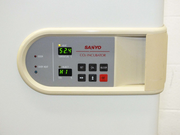 Sanyo MCO-15A  5.8 CU.FT. 164L Air Jacketed Digital CO2 Incubator Oven +5