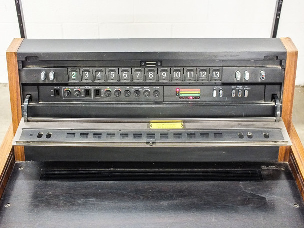 Sony KP-7200 Color Video Projector with VPS-72HG1 Screen - Vintage 1970s Retro
