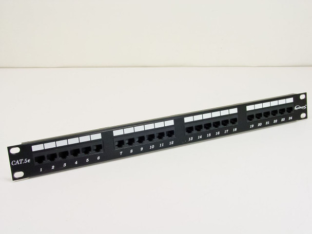Dynacom 24 port Patch Panel w/ plastic clips (CAT 5e)
