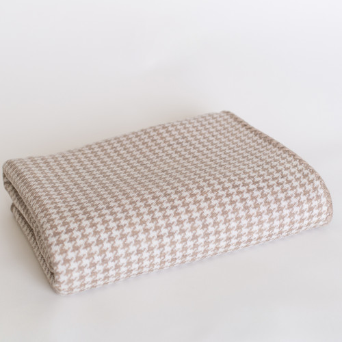 Country Laine - Houndstooth Blanket