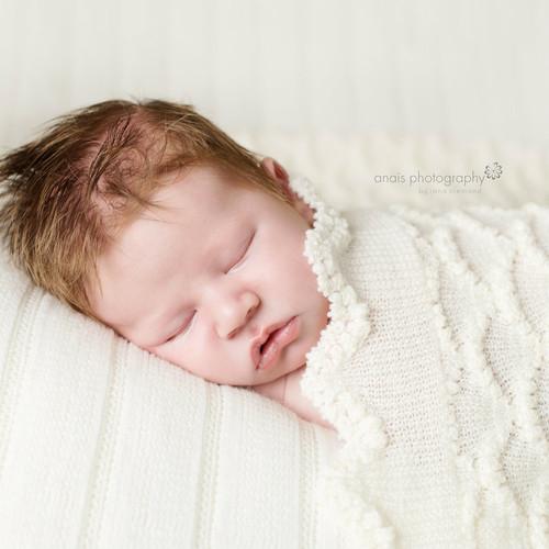 Tudor Knits - Merino Wool Scalloped Baby Shawl