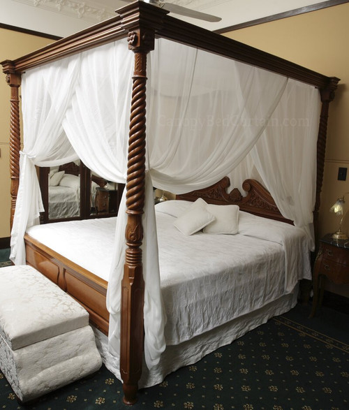 Canopy-bed-curtain