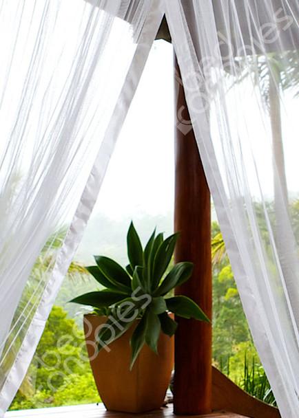 Round mosquito net hem detail