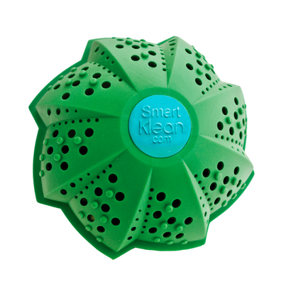 The SmartKlean Laundry Ball is a safer alternative to natural laundry detergent as it does not leave behind any residue to irritate eczema and itchy skin.