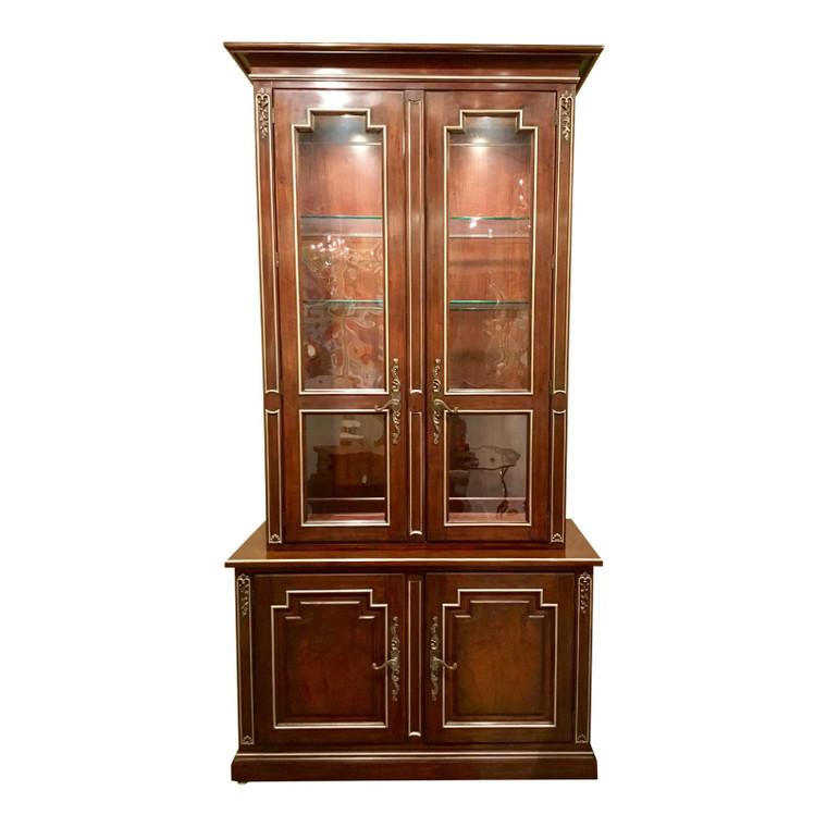 Henredon Traditional Marseilles Mahogany Finished China Cabinet/Display Cabinet