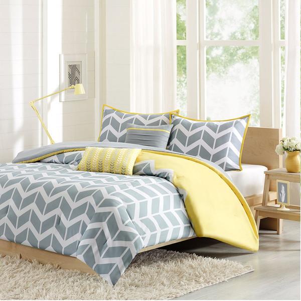Nadia Queen Comforter set Giftopolis