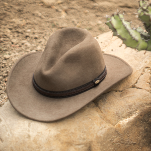 stetson-cowboy-and-western-hats-hat-shape-profile-and-crown-style-guide-hatsunlimited.com-hats-unlimited-7.jpg