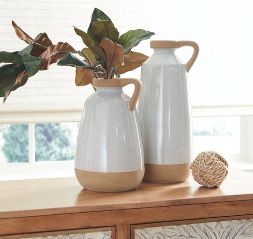 Tilbury Cream Vase Set