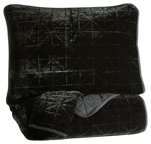 Dairick Black Queen Quilt Set