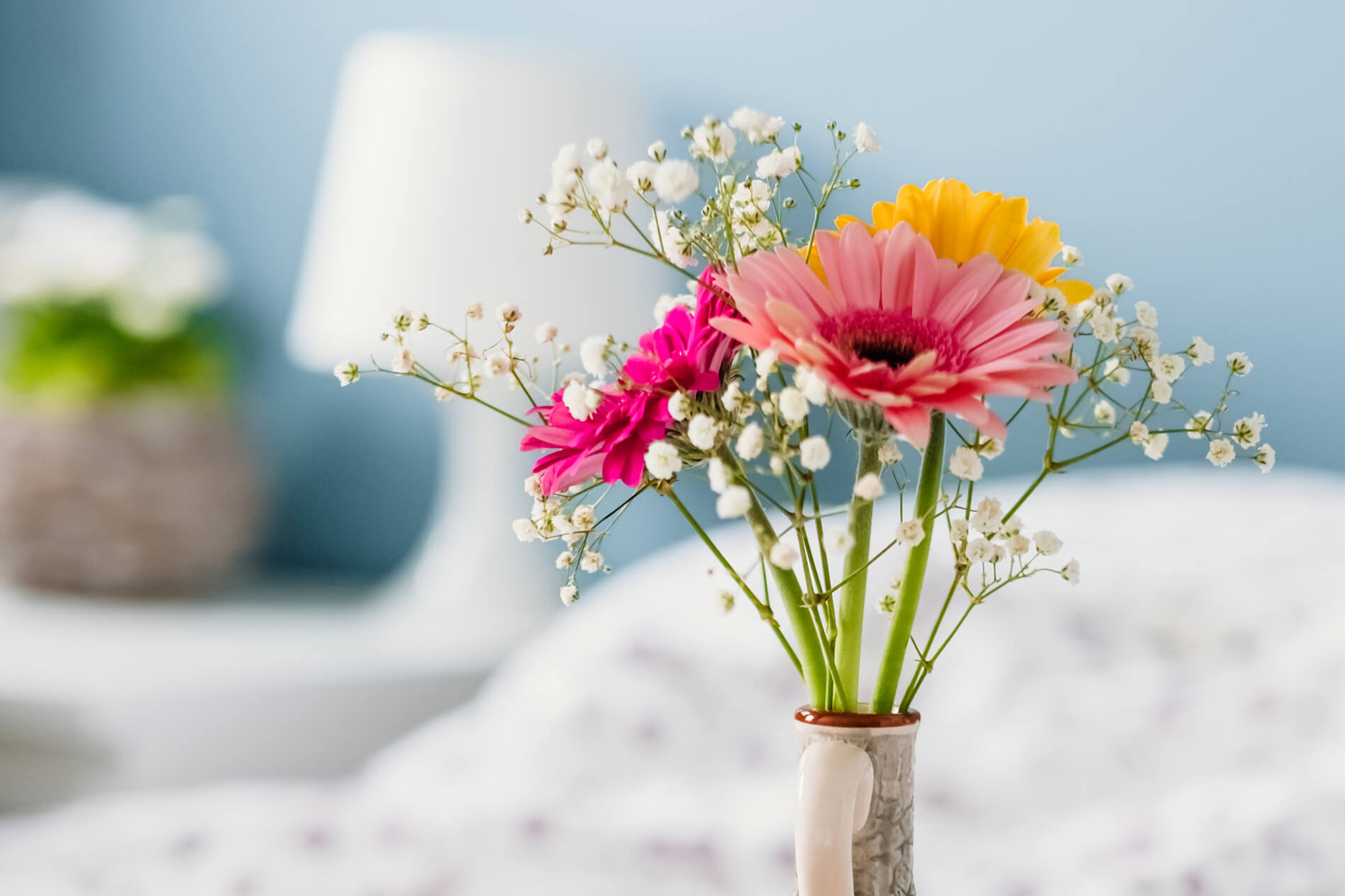 10 Ideas to Give Flowers in a Creative Way