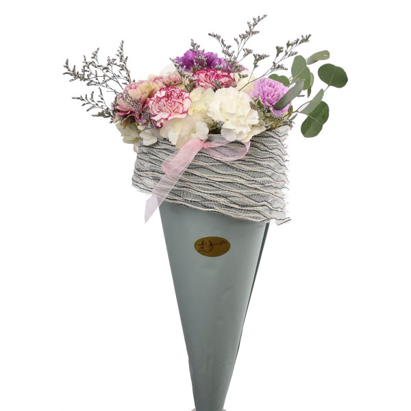 Ice Cream floral bouquet with dianthus.