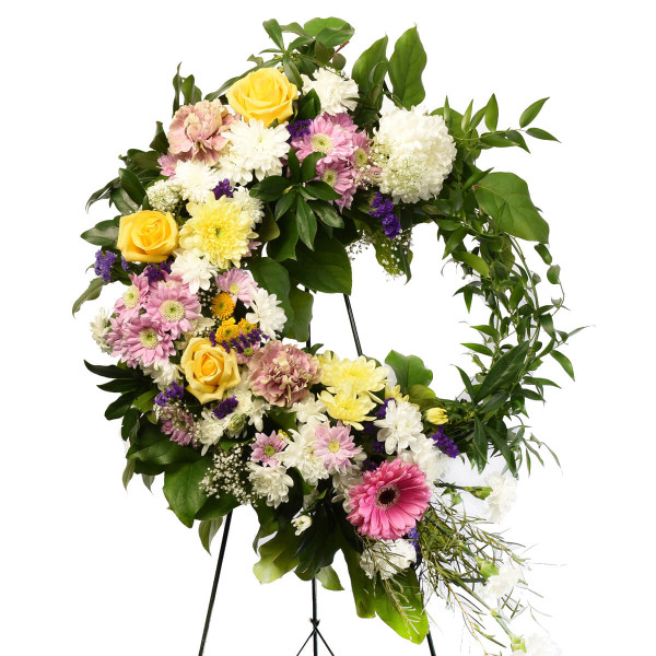 Funeral florist in Burnaby Adele Rae created this mixed flower 18 inch wreath.