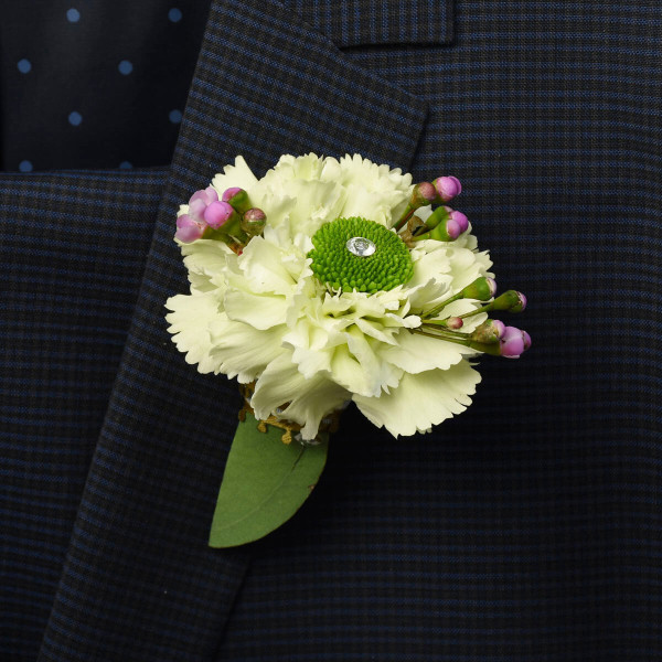 Vancouver wedding flowers boutonnieres from Adele Rae Florist.