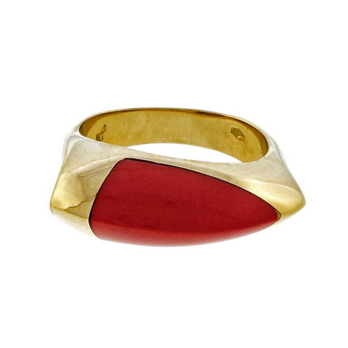 Coral 18k Yellow Gold Ring