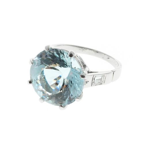 Important Round Aqua Cocktail Ring 1950 Platinum & Diamond