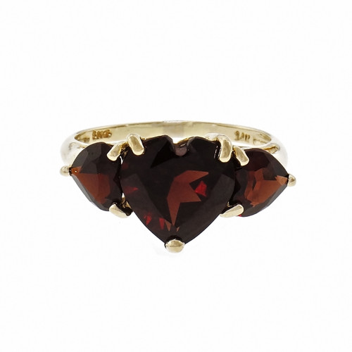 14k Yellow Gold Heart Shaped Garnet Band