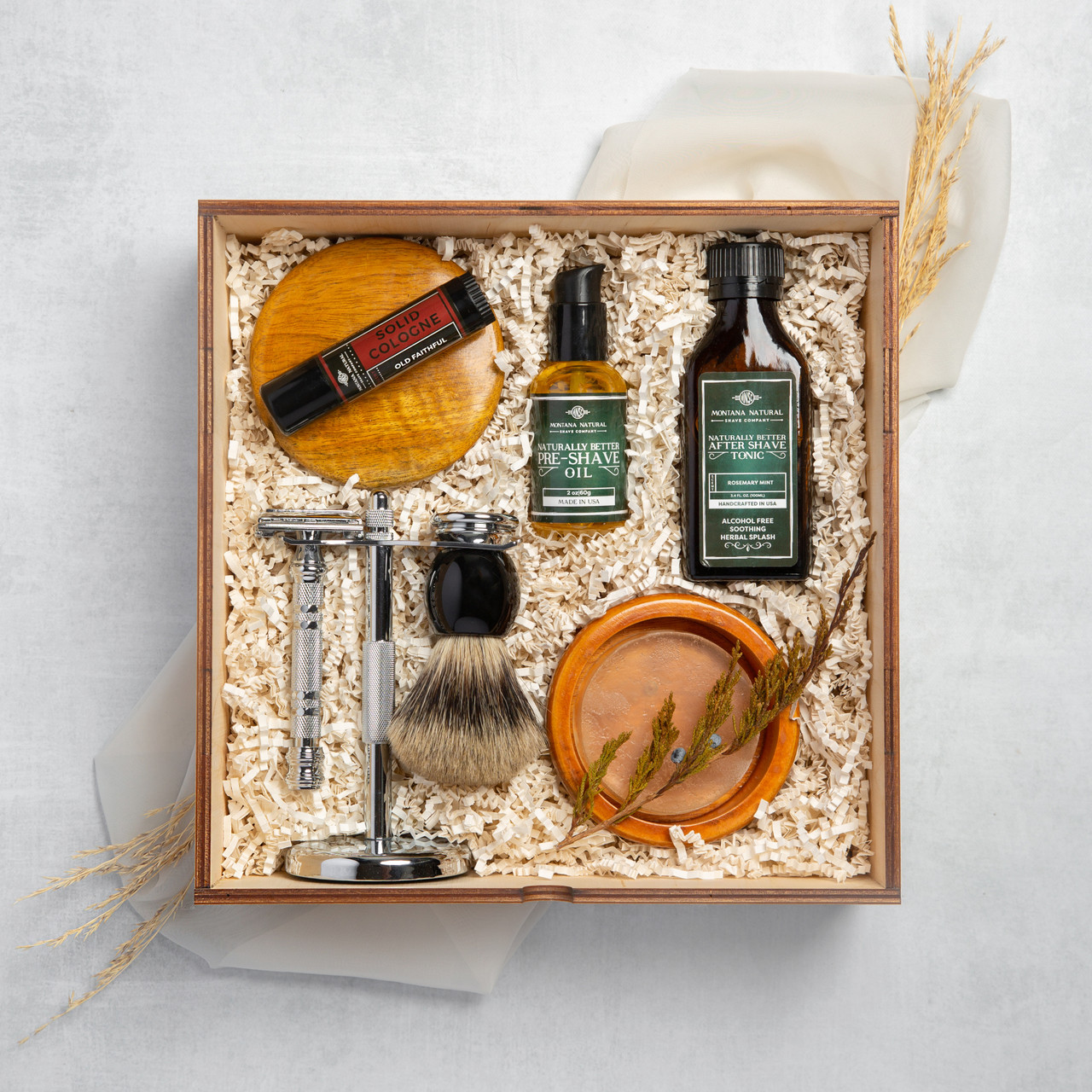 Gift Box - Luxury Chrome Razor Gift Set Montana Natural Shave Company