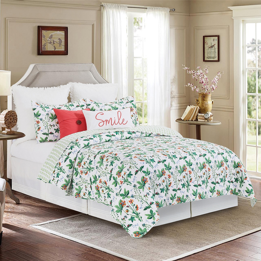 Clover Bug 3 Pc quilt Set in Queen or King Size