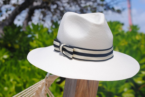 Ladies Large Brim Trilby - in Natural