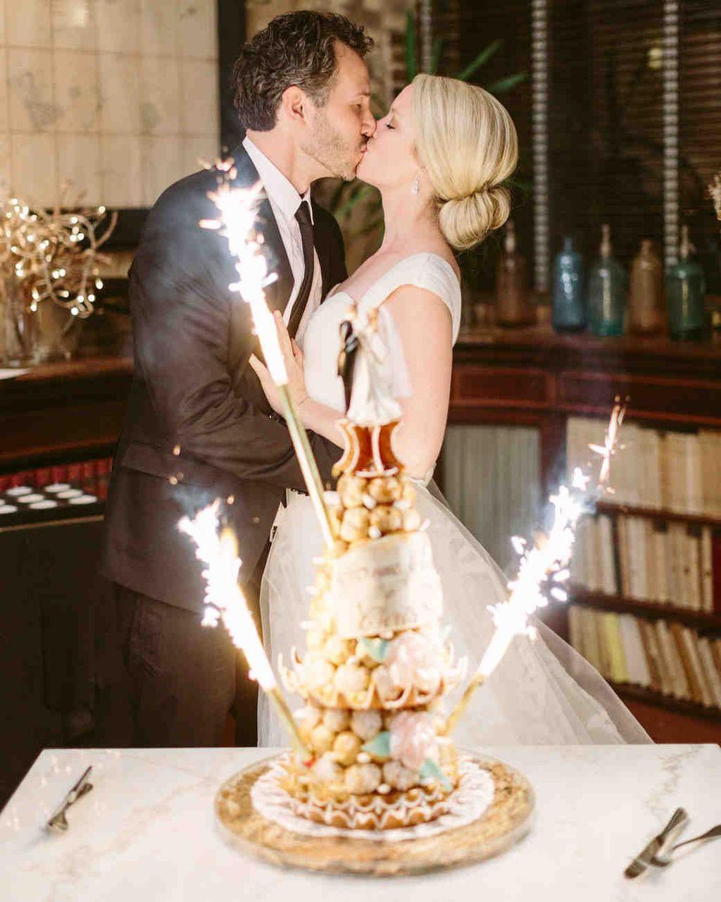 Sparklers For Wedding.Wedding Cake Sparklers