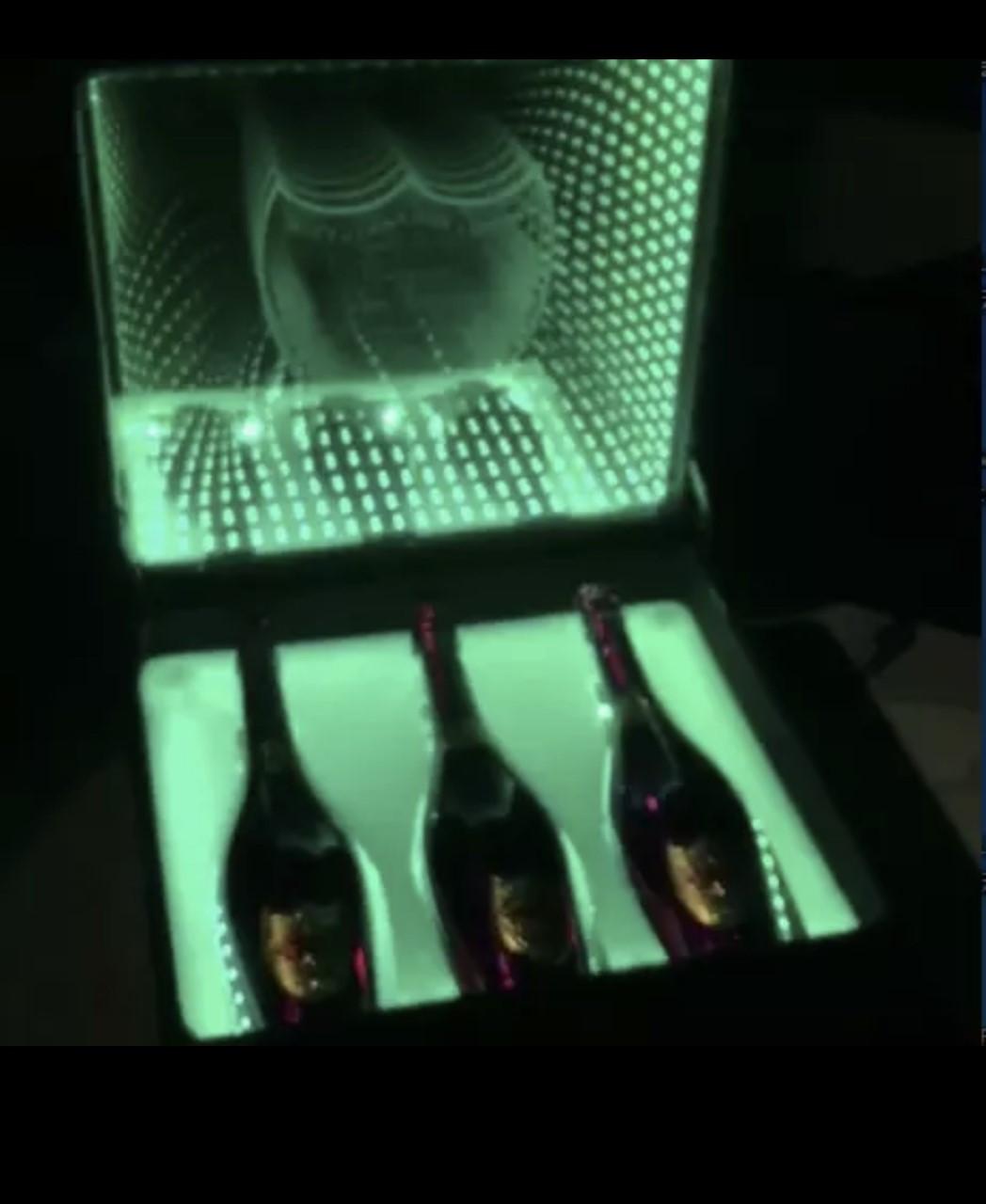 Bottle Presenter case