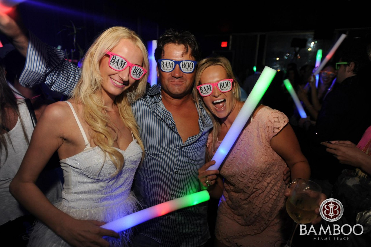 custom led foam stick  to light up your party or special event