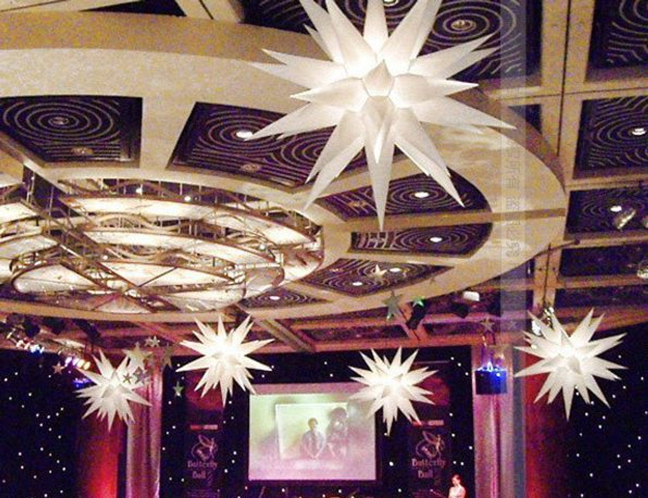 LED INFLATABLE  STAR DECORATION 31 spikes