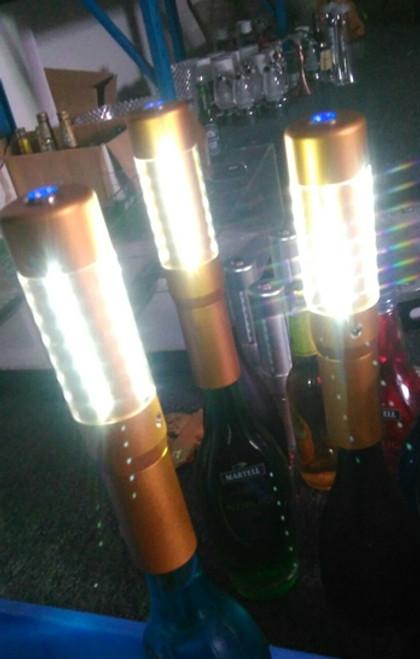 LED, Strobe, Baton, Bottle, Top, Topper, attachment, Sparkler, Bottle service, Nitesparx, Nite sparx