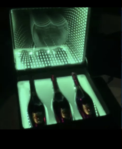Bottle Presenter case