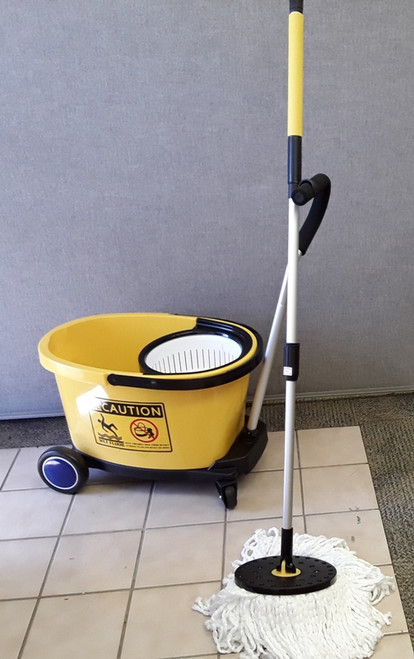 COMMERCIAL Spin Wringer in 35 Qt. Bucket, Tow Bar, Trolley & Micro Mops.