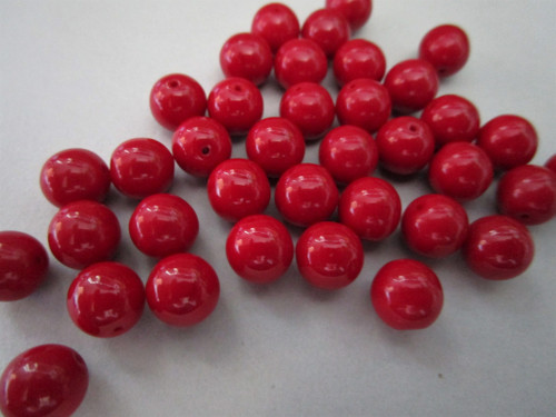 Opaque blood red 8mm round druk Czech glass beads