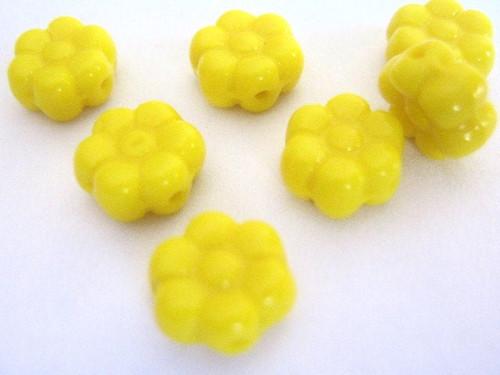 yellow 8mm daisy flower Czech beads