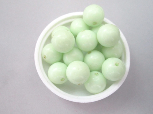 Opaque mint green 10mm round vintage lucite beads