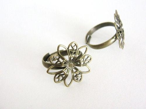 Adjustable ring blank 19mm pad spike flower filigree antique bronze finish