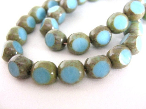 turquoise picasso 8mm triangle Czech glass bead