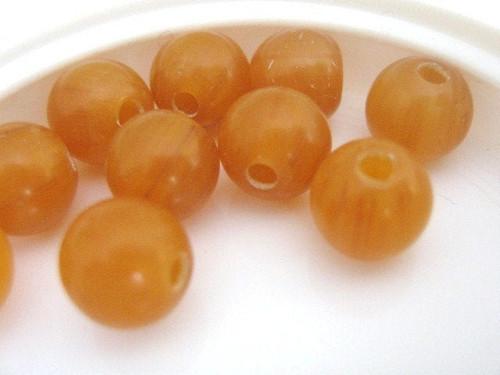 Butterscotch brown 8mm round vintage lucite beads
