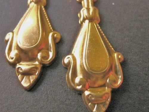 Brass victorian drop 14x32mm dangle chandelier