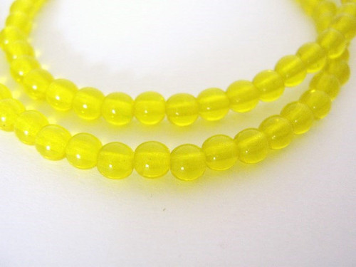 Yellow 4mm round Czech glass beads