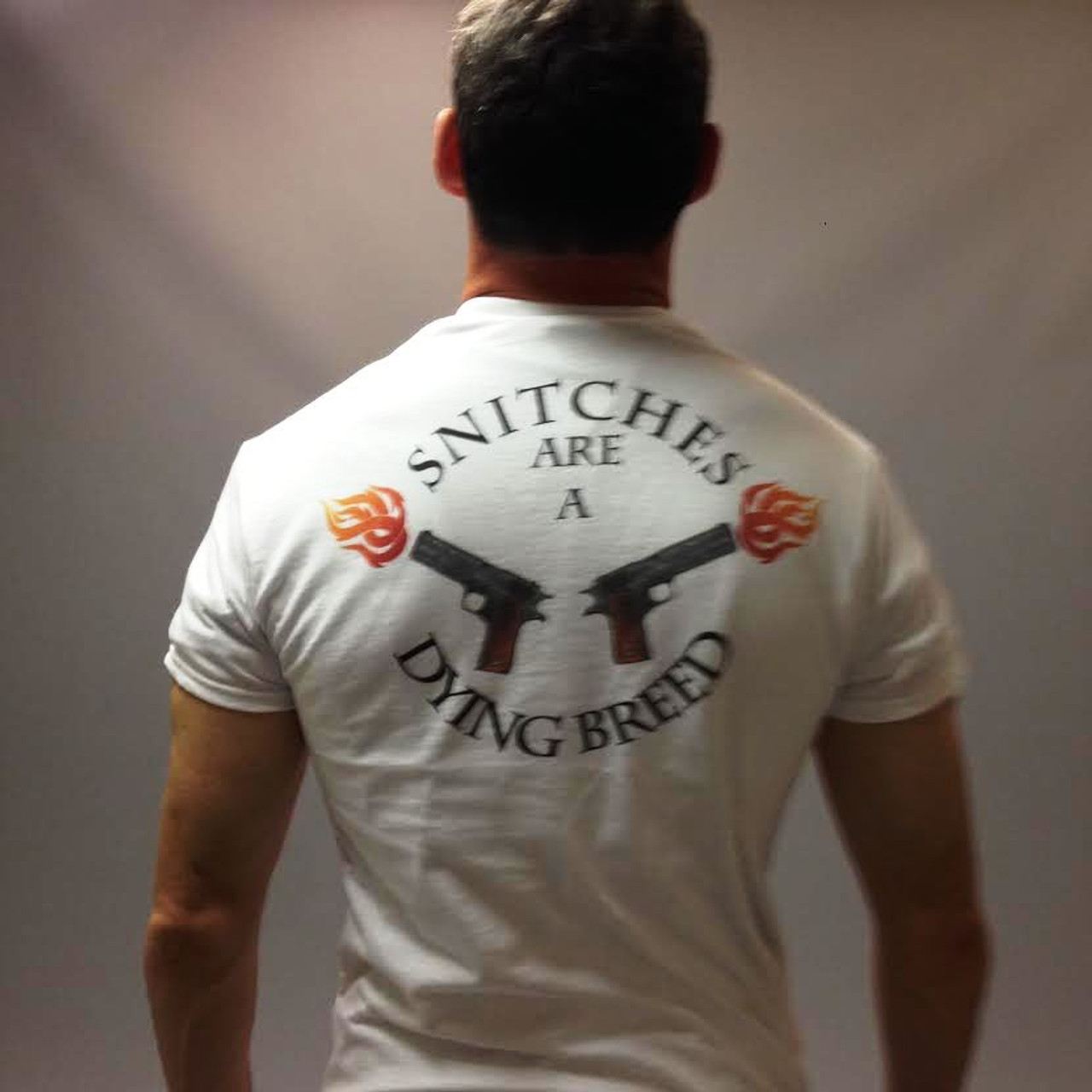 Snitches are a dying breed guns biker style  T Shirt