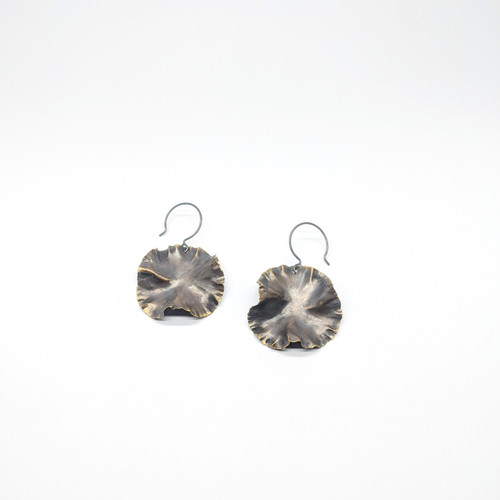 Round Bass Flower Earrings NM48