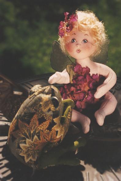 Robin, A Baby Flower Fairy - E-Pattern