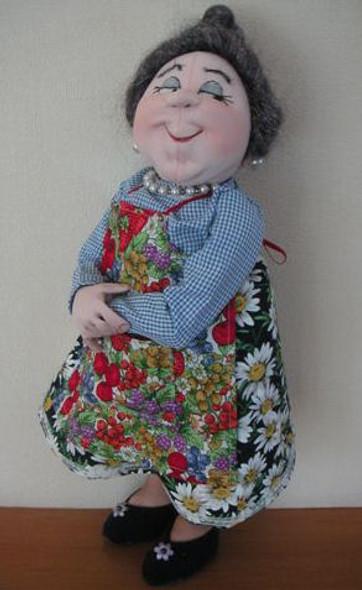 Winnie Mae - Cloth Doll Pattern by Jill Maas