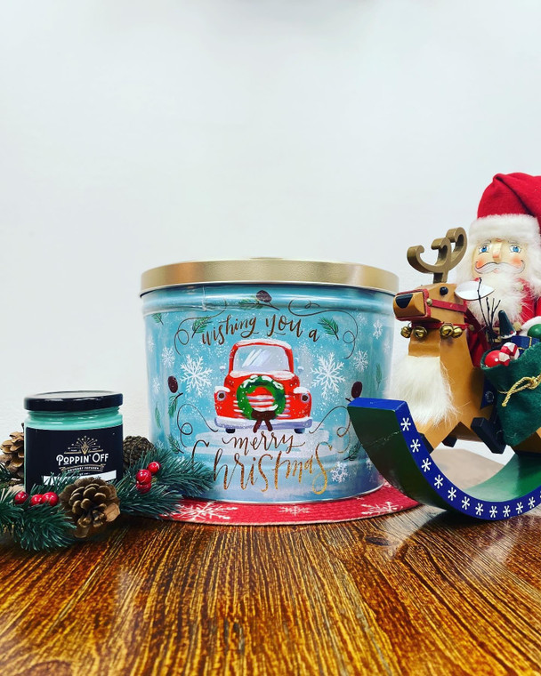 Vintage Christmas Tin - 2 Gallon