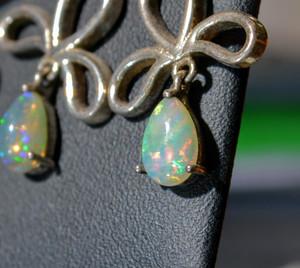 Opal White/Welo Precious