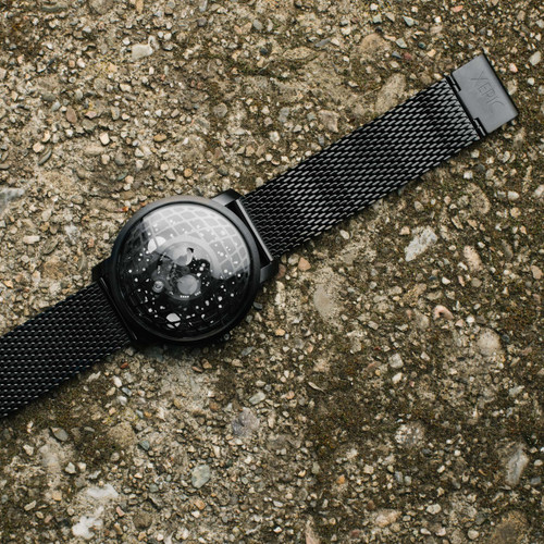 Trappist-1 Moonphase Black Hole Mesh (TMP-3015-MESH) lifestyle