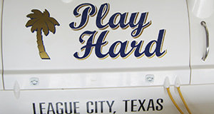 boat-lettering-play-hard-league-city-texas.jpg