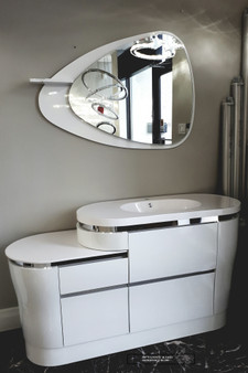 "60"" Vanity and Led Mirror"