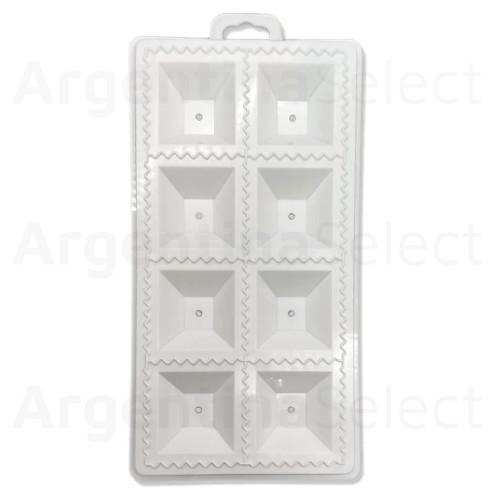 Placa Molde Plástica para Cortar Raviolones, 8 Cortes. Argentina Select.